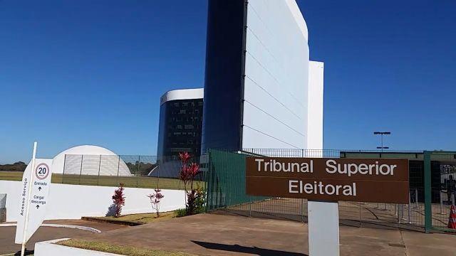 TSE veta lives de artistas com candidatos durante as eleições