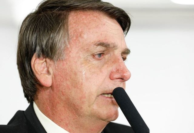 Bolsonaro passa por cirurgia nesta sexta-feira