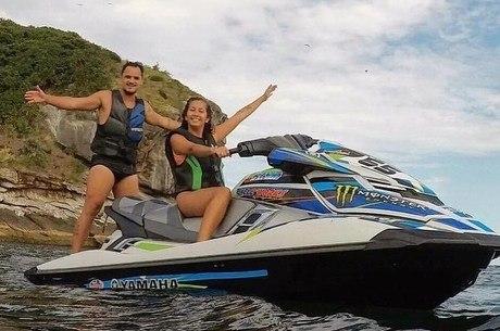 Influenciador digital morre após acidente com moto aquática no Rio