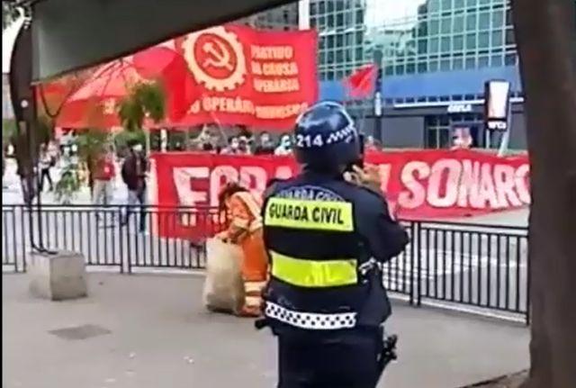Protesto contra Bolsonaro é 'recorde de fracasso público' em SP
