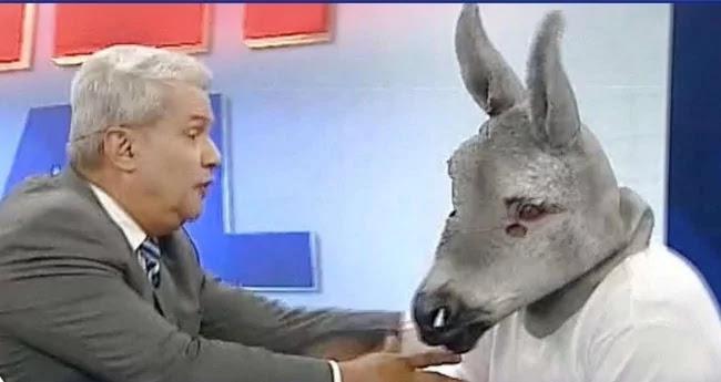 """Sikêra Jr. debocha da queda de audiência da Rede Globo: """"Até meu jumento ganha"""""""