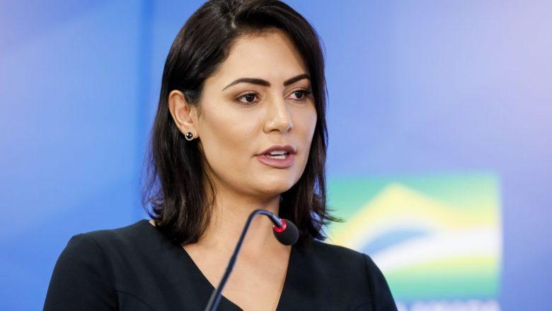 Vereador do PT aprova homenagem à primeira-dama Michelle Bolsonaro sem ler texto