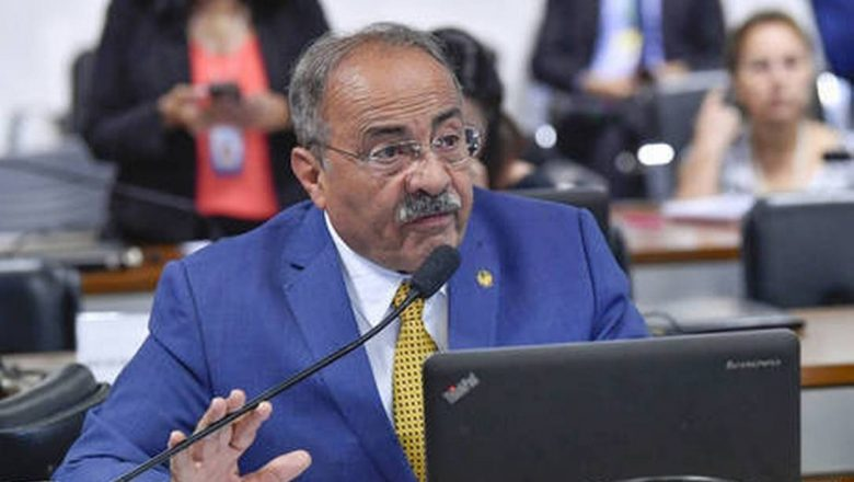 Barroso determina afastamento de senador Chico Rodrigues do cargo por 90 dias