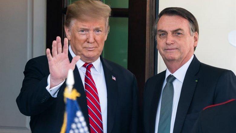 """Bolsonaro deseja recuperação a Trump e à Primeira-Dama: """"sairão mais fortes"""""""