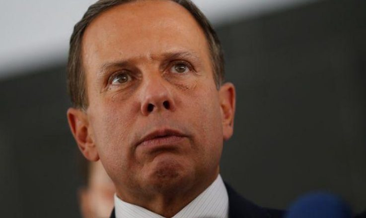 Deputado oferece advogados para contas suspensas a mando de Doria