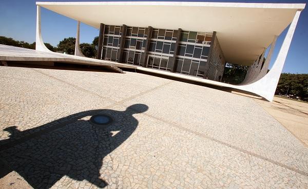 Dia do STF vai de Chico Rodrigues a prisão domiciliar em massa