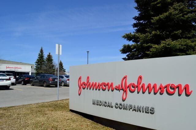 Johnson & Johnson pausa teste de vacina contra covid-19