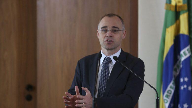 """Ministro da Justiça, André Mendonça, sobre líder do PCC: """"Traficantes devem ficar presos"""""""