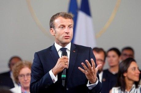 Presidente da França, Emmanuel Macron, vira alvo de protestos entre islâmicos