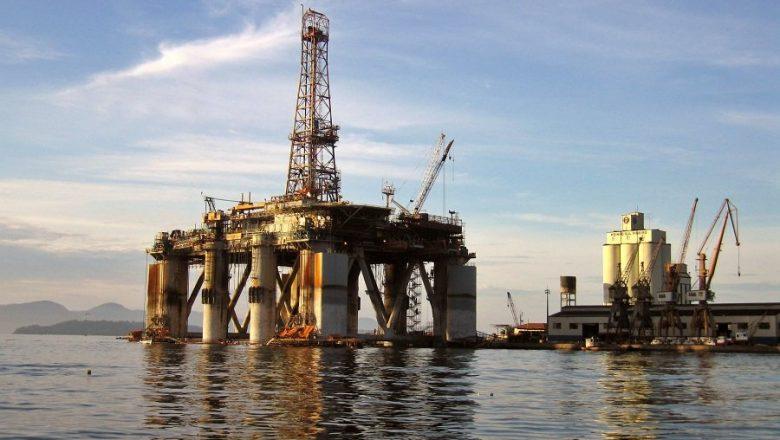 Até 2030, venda de óleo do pré-sal deve render R$ 400 bi
