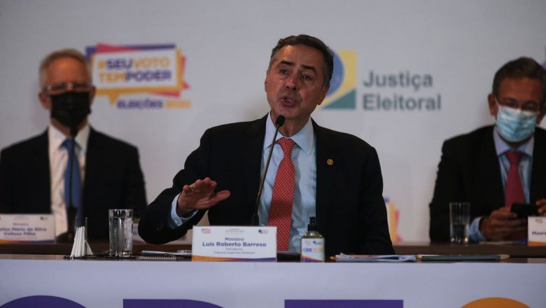 Barroso: se Bolsonaro tiver provas de fraude, o TSE vai apurar