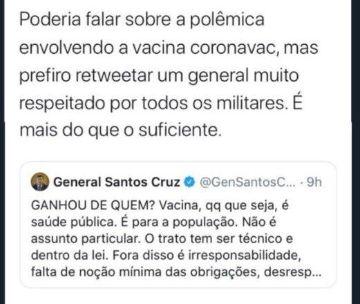 Carlos Bolsonaro diz que 'limpa a bunda com a gravata' de Moro e Santos Cruz