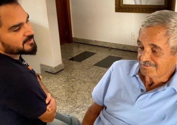 Com Covid-19, Luciano Camargo lamenta ausência no velório do pai, Seu Francisco