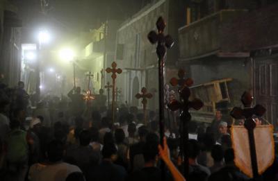 Egito: Centenas de muçulmanos atacam igrejas e casas de cristãos por meio de postagem no Facebook