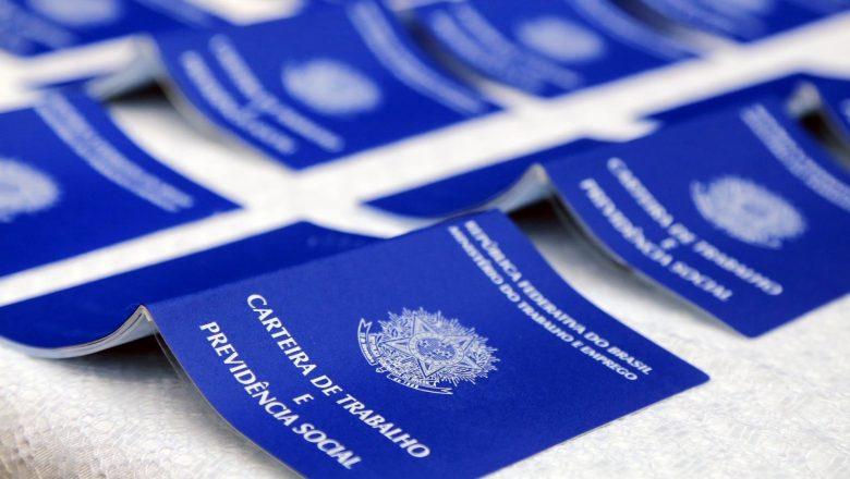 Pedidos de seguro-desemprego têm queda de 13,6% em outubro, anuncia Ministério da Economia