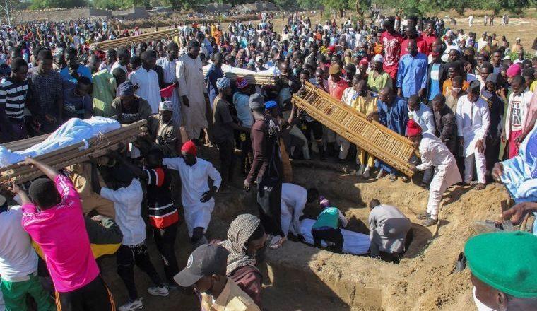 """Boko Haram mata pelo menos 110 civis no ataque """"direto mais violento"""" deste ano"""