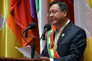 Bolívia propõe perdão da dívida externa diante da crise