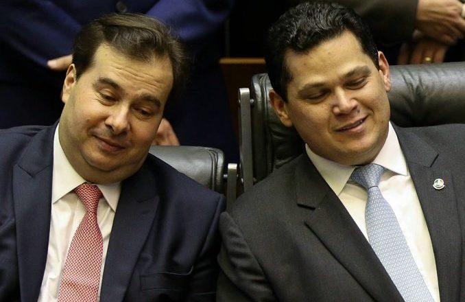 Cármen Lúcia vota contra reeleição de Maia e Alcolumbre