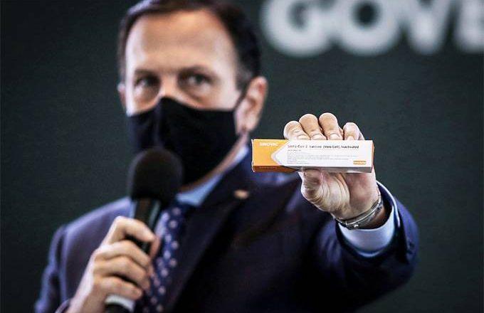 Doria: O lunático anuncia grupos que vão receber a vacina primeiro, o governo está ainda preparando o plano de vacinação