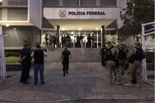 Esquema de R$ 600 mi: PF faz buscas na casa de ex-secretário de Cid Gomes