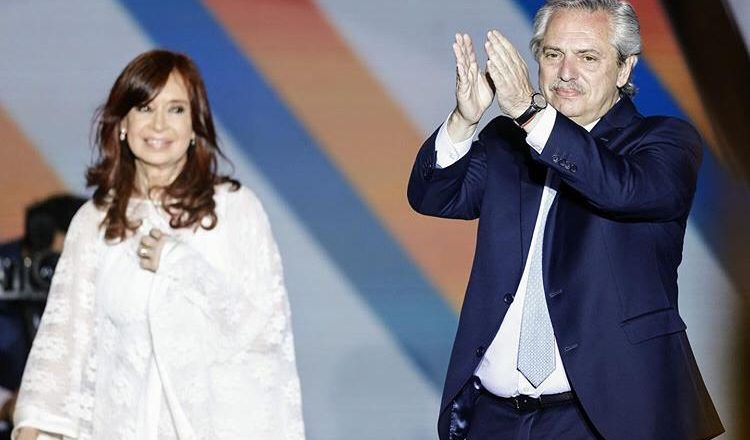 Senado da Argentina legaliza o aborto no país