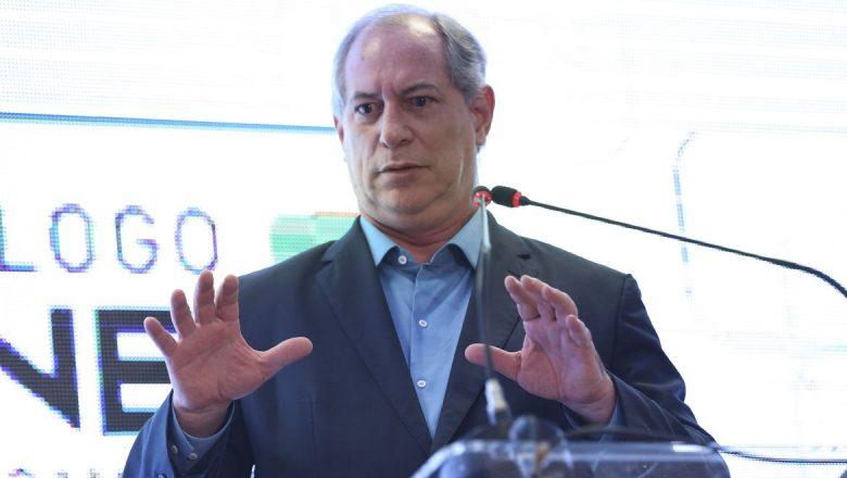 "Ciro Gomes: ""Todo o Brasil está pedindo impeachment do genocida Bolsonaro"""