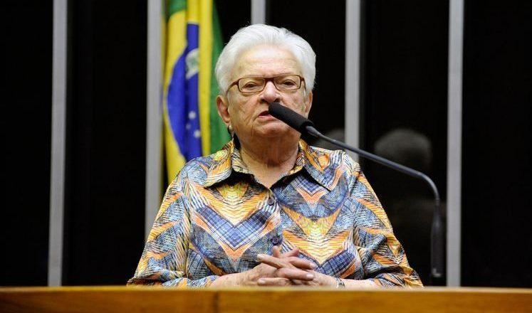 Erundina acusa colegas do Psol de 'fisiologismo' e 'barganha'