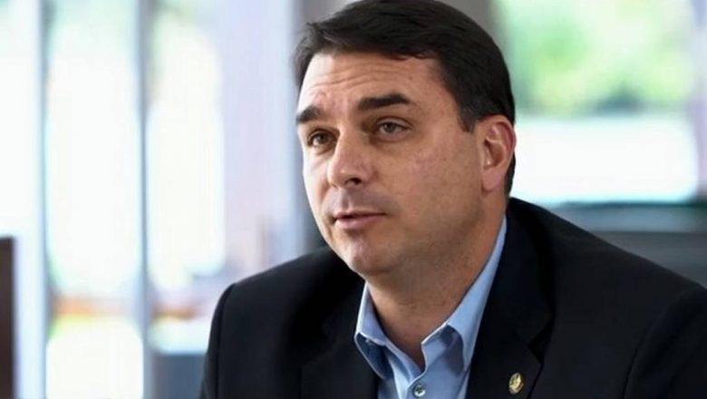 Governo Bolsonaro bancou vacina do Butantan, diz Flávio Bolsonaro