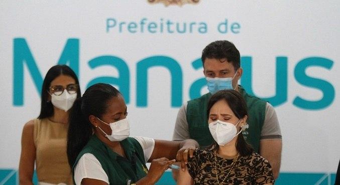 Juíza suspende entrega de vacina a Manaus por falta de transparência