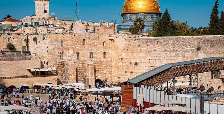 Miles envían sus oraciones por enfermos de Covid19 al Muro de los Lamentos