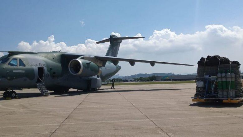 Urgente: Forças Armadas transportam 50 toneladas de equipamentos e materiais para montagem de Hospital de Campanha em Manaus