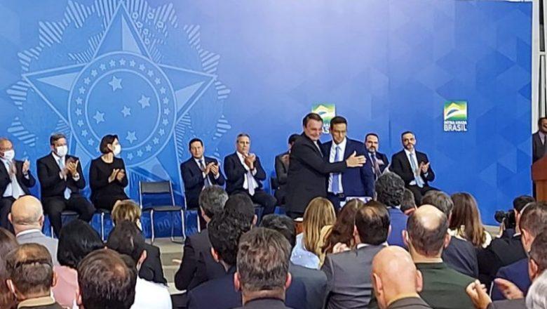 Bolsonaro sanciona autonomia do Banco Central