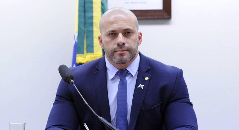 Daniel Silveira vai se defender pessoalmente no plenário da Câmara