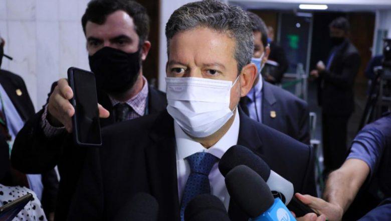 Lira anuncia reunião para discutir caso de Daniel Silveira