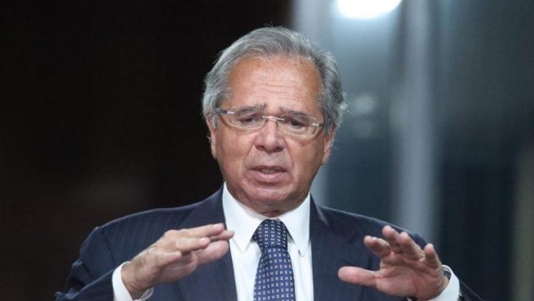 Auxílio emergencial pode ficar para abril, afirma Guedes
