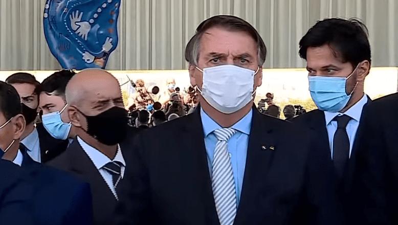 """Bolsonaro fala em """"mais que harmonia"""", vacinação em massa e defende tratamento precoce"""