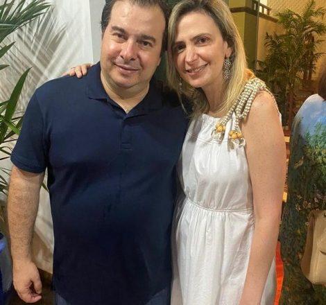 """Fábio Faria sai em defesa de Ludhmilla Hajjar: """"São injustos os ataques dirigidos a ela"""""""