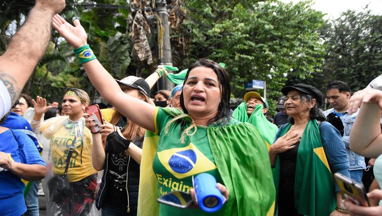João Doria anuncia uso da Polícia contra manifestantes que estão protestando em frente à sua casa