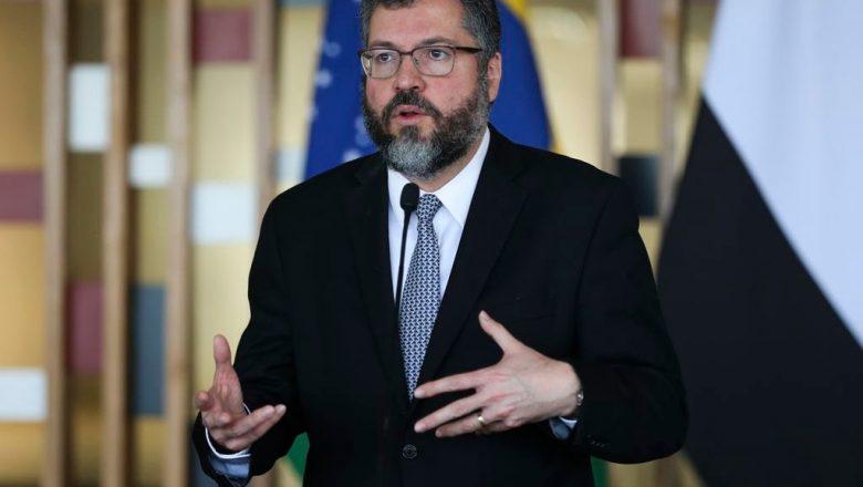 Ministro das Relações Exteriores revela pressão por 5G