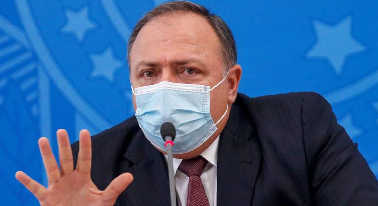 """""""Não estou doente e continuo ministro até quando o presidente quiser"""""""