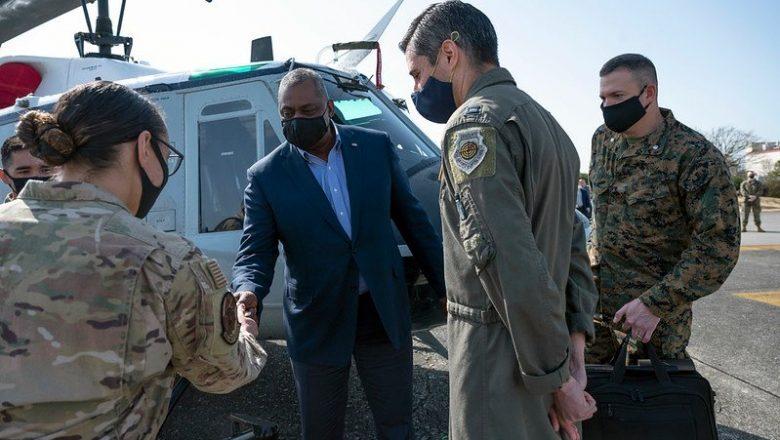 Sem anúncio prévio, secretário de Defesa dos EUA vai ao Afeganistão