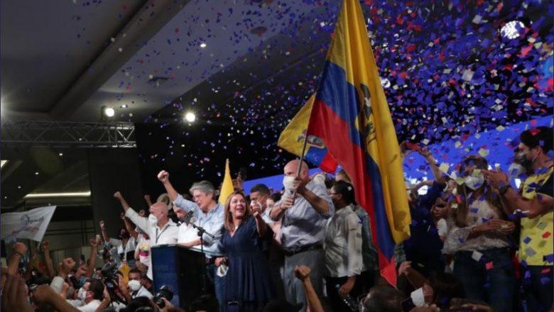 Candidato da direita vence eleição presidencial no Equador