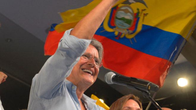 Contrariando pesquisas eleitorais, candidato da direita vence no Equador e se torna o novo presidente