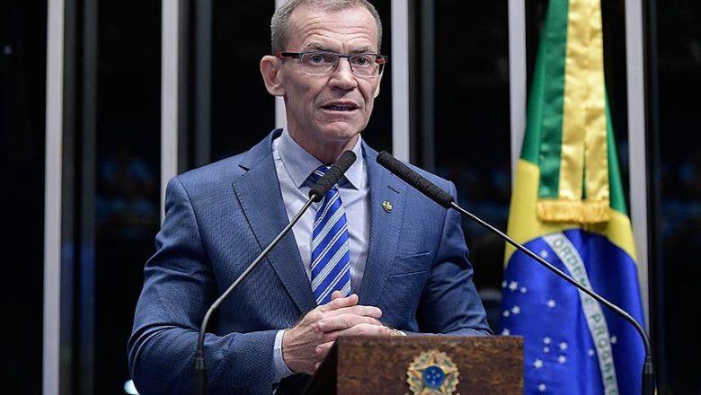 """CPI da Covid: Senador diz que """"impeachment e prisão de Bolsonaro serão inevitáveis"""""""
