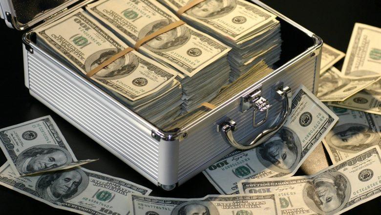 Ex-SoftBank pretende investir em startups com fundo US$ 80 mi