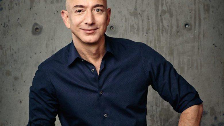 Jeff Bezos é o homem mais rico do mundo pelo quarto ano seguido