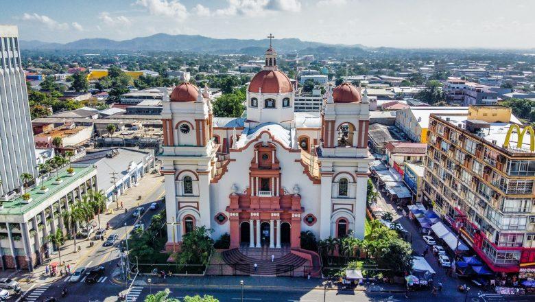 Evangélicos vencem obstáculos e já são maioria em Honduras