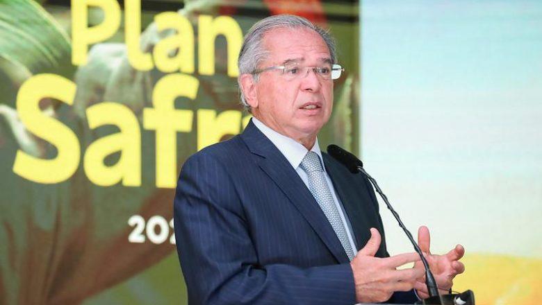 Randolfe vai ao Supremo contra Guedes e Campos Neto por milhões em offshores